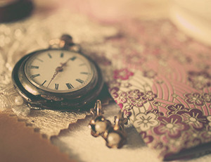 Do you imagine pocket watches when you think of hypnotherapy?